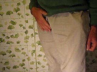 Grandpa David 67 London talks whilst masturbating & cumming