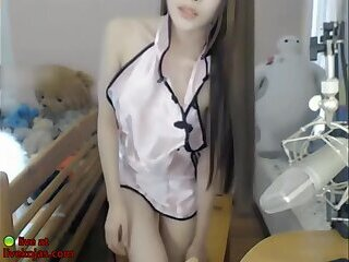 Asian lovely camgirl sensual show